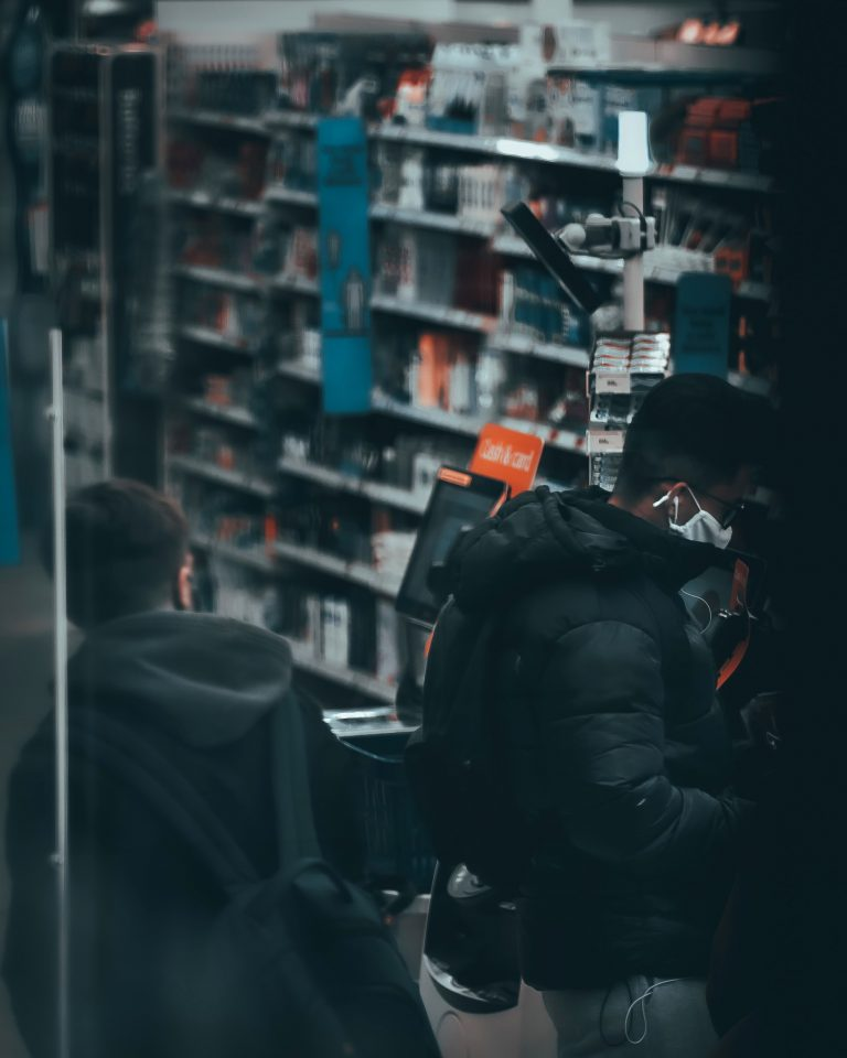 Danielle Liever - Manchester, United Kingdom - Shopping sub_shooters people citymode