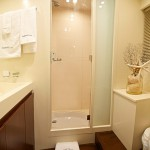 Astondoa 72 GLX Bathroom