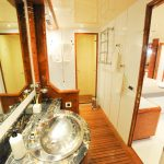 Mangusta 108 Belisa Bathroom