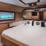 Pershing 72 Bedroom